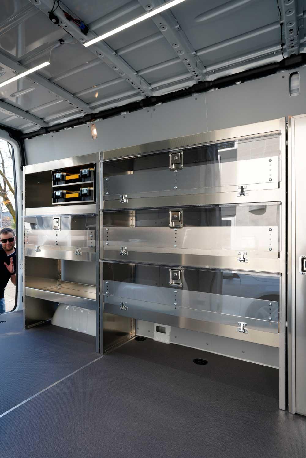 Porte en Lexan d'étagère de fourgon Mercedes Sprinter