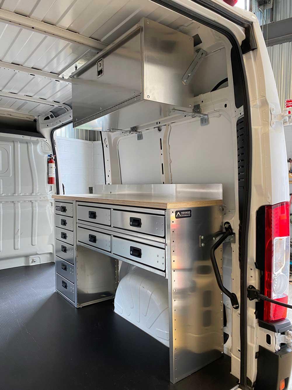 Atelier de travail pour fourgon RAM Promaster unité d'aqueduc